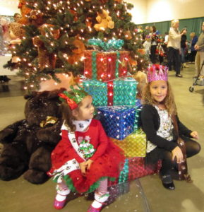 Two beauties under the beautiful Christmas Tree!